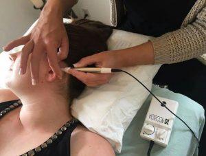 Behandling med øreakupunktur for rygestop.